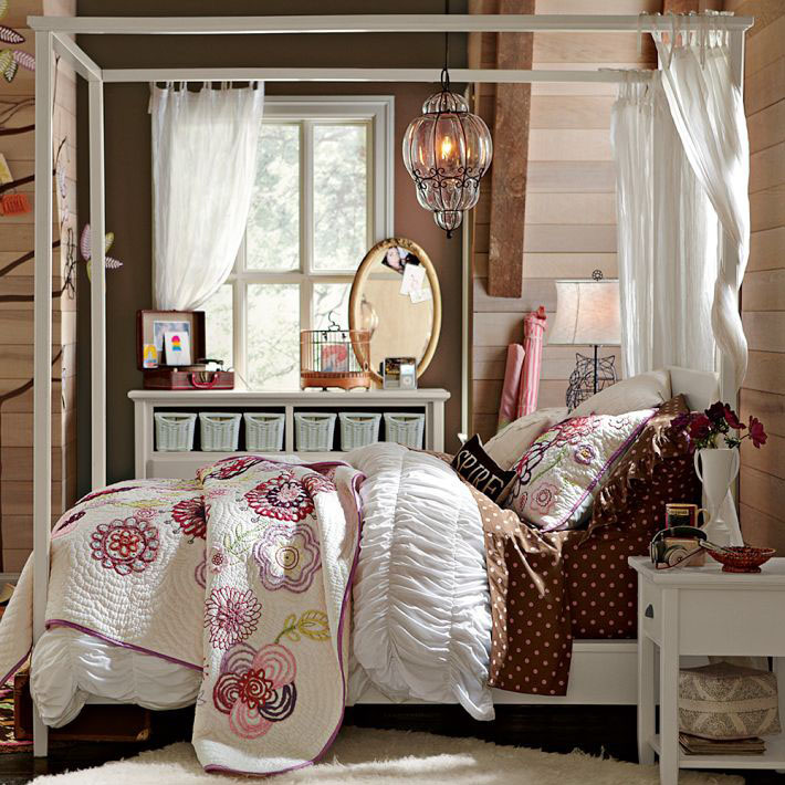 Canopy-beds-For-the-Modern-Bedroom-Freshome-221