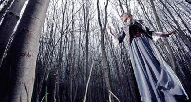 141016134801_fairy_tales_512x288_christophjorda..corbis