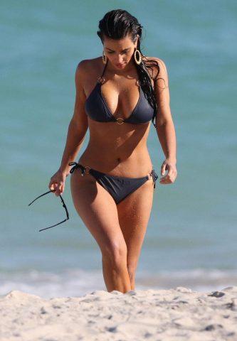 kim-kardashian-bikini2